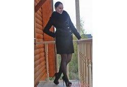 Стильное драповое пальто с мехом для девушек