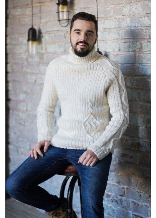 Мужской белый свитер