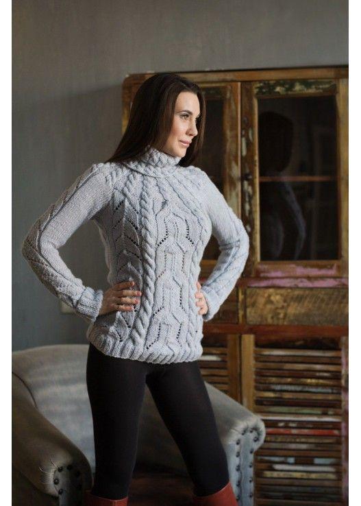 Вязаный серый свитер