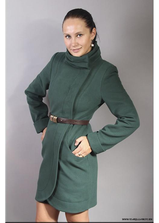 Зелёное женское пальто воротник стойка