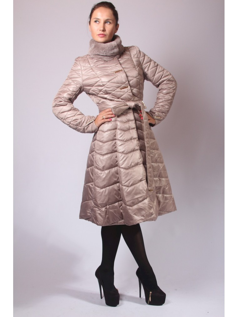 Стёганое пальто с юбкой бежевое купить зимнее женское пальто 2018-2019 f92da55c92b4b