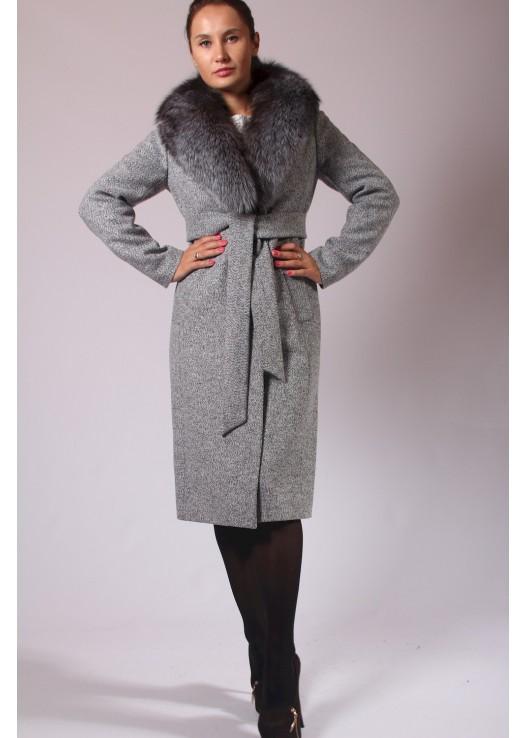 Зимнее женское пальто классика с мехом