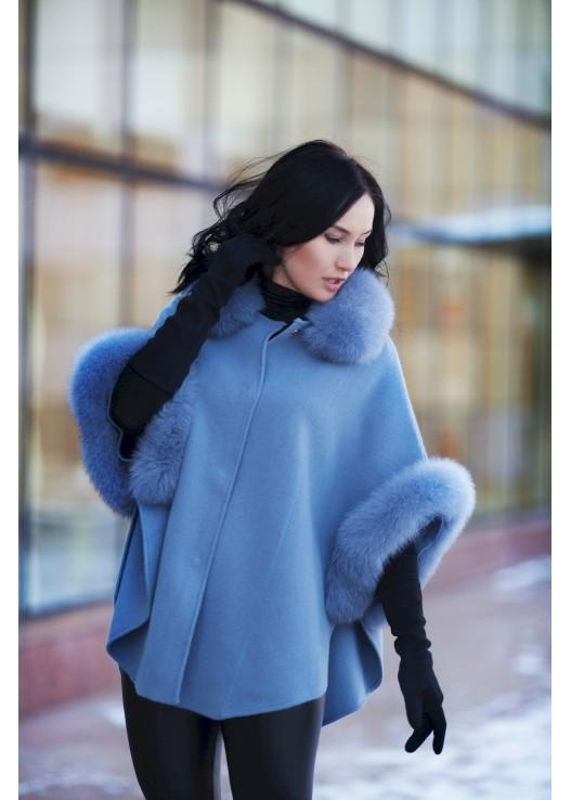 Женское пальто-пончо c мехом летучий рукав
