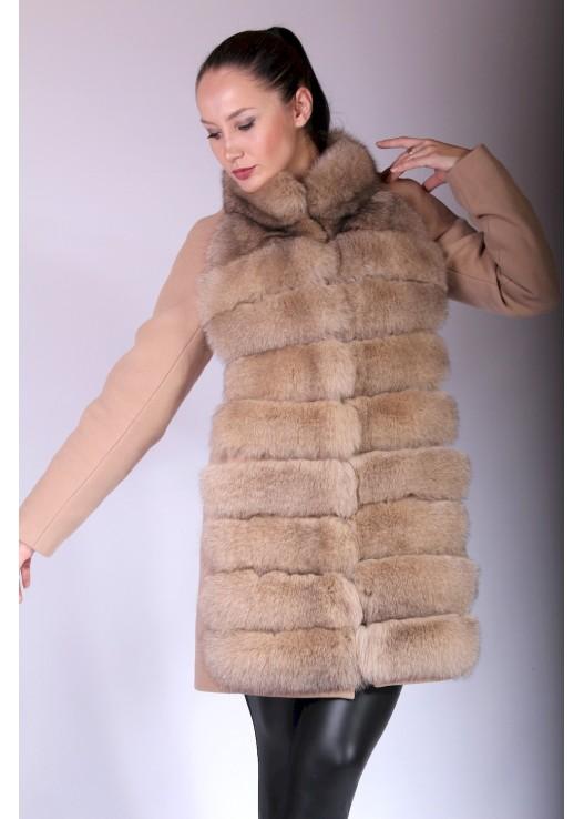 Зимнее женское пальто с натуральным мехом