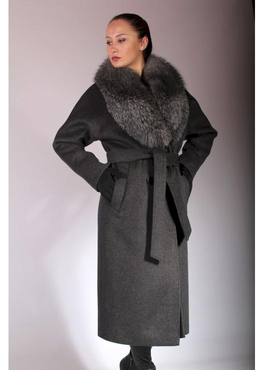 Длинное зимнее пальто из шерсти с мехом