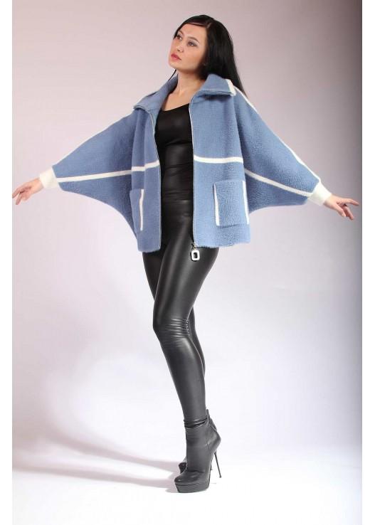 Короткое женское пальто летучий рукав