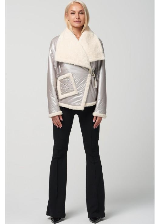 Стильная женская куртка на мехе