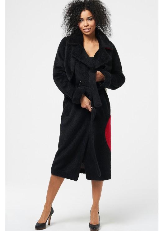 Женское пальто из ламы