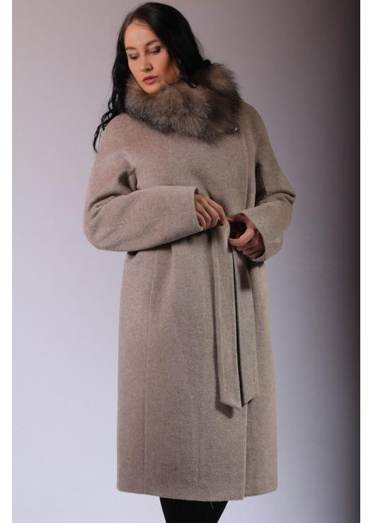 Зимнее женское пальто больших размеров