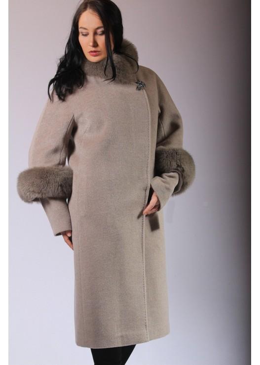 Модное женское пальто больших размеров Зима 2019-20