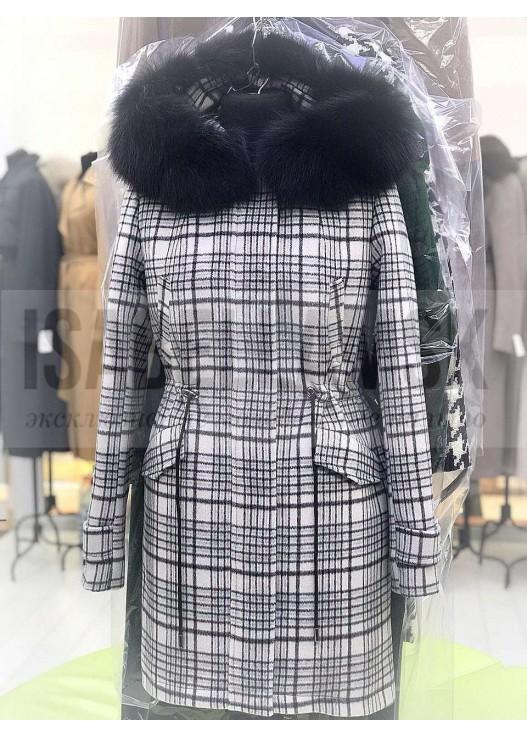 Модное зимнее пальто с капюшоном