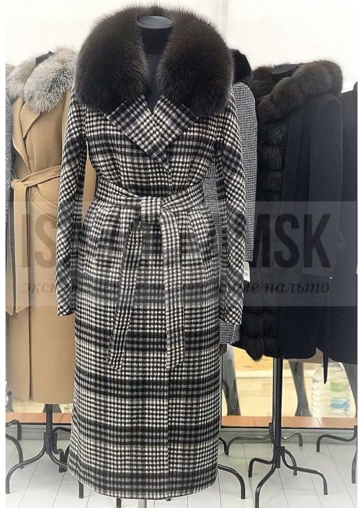 Зимнее женское пальто халатного типа с мехом